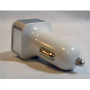 Автомобильная зарядка в прикуриватель на 2 USB