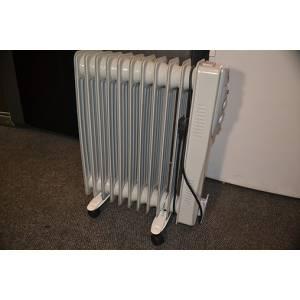 Масляный радиатор HOME Fkos 11 на 10 секций мощность 2 кВт белого цвета