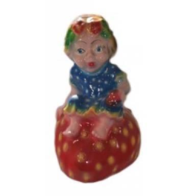 Садовая фигура Девочка на клубнике высота 43 см глиняная ручной работы