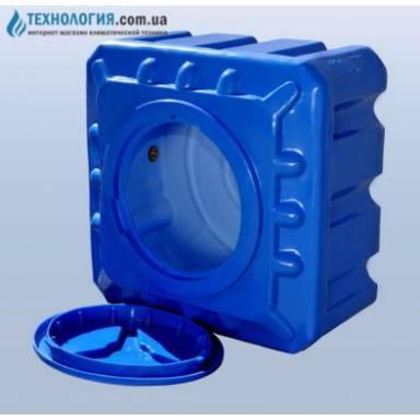 Емкость объемом 100 литров в квадратном исполнении
